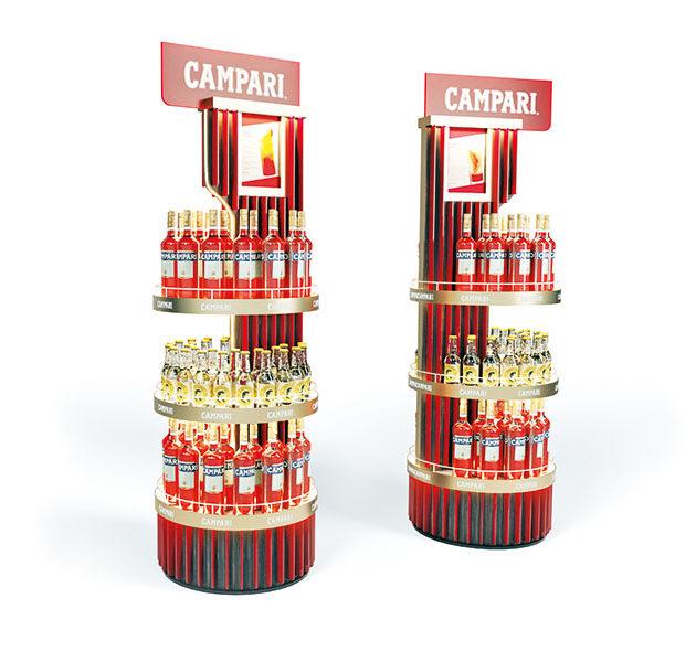 authentica hat für Campari ein Display kreiert, das für einen edlen POS-Auftritt sorgt und die Werte der Marke auf der Verkaufsfläche visualisiert. Foto: authentica