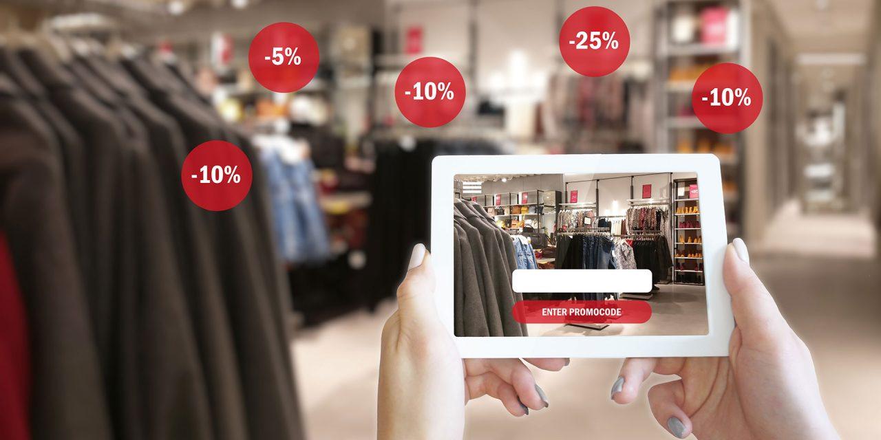 Mit digitalen Elementen am POS kann der Shopper interaktiv eingebunden werden. Foto: Adobe Stock brillianata