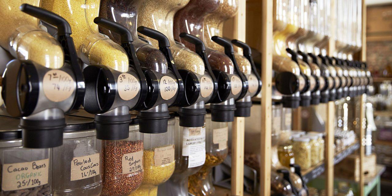 Nachhaltigkeit und Umweltbewusstsein rücken beim Shopper immer mehr in den Fokus. Auch im Ladenbau gewinnt dies immer mehr an Bedeutung. Foto: Adobe Stock Monkey Business