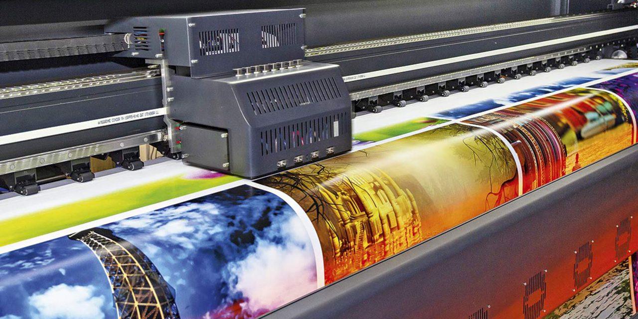 Die Werbetechnik bietet unerschöpfliche Mittel Promotions ins richtige Licht zu rücken. Foto: DmyTo Adobe Stock